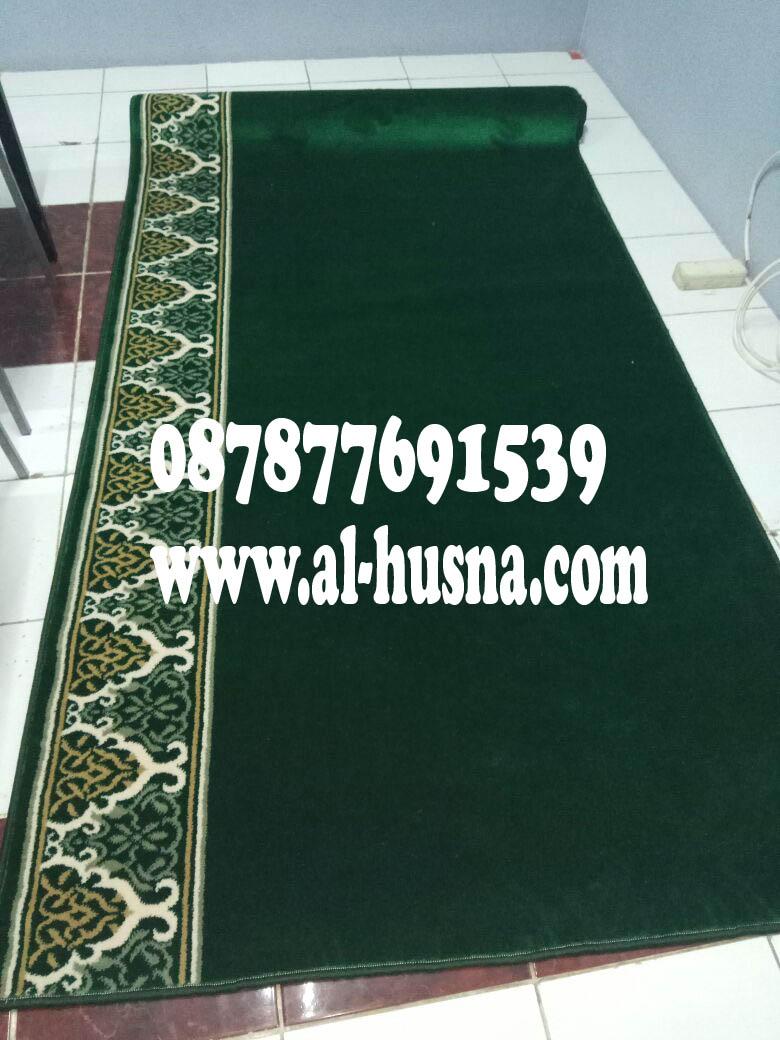 Iranshar-hijau-karpet.jpg